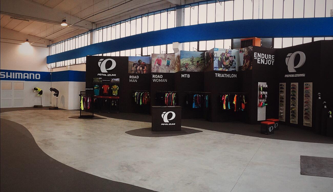 Studio e design dello showroom per la sede di Shimano Italia
